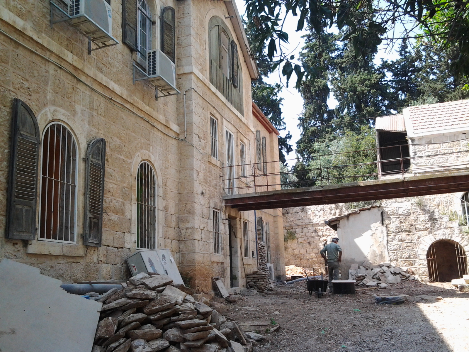 Noch eine Baustelle: HomeBase IV in Jerusalem
