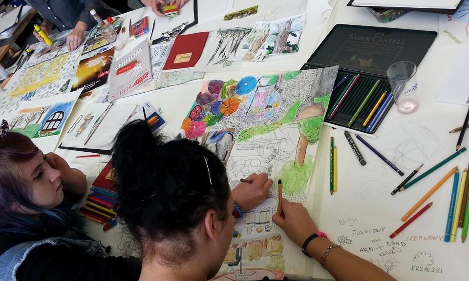Die israelische Künstlerin Sharon Paz leitete den Workshop »Urban Sketching/Zeichnen in der Stadt«