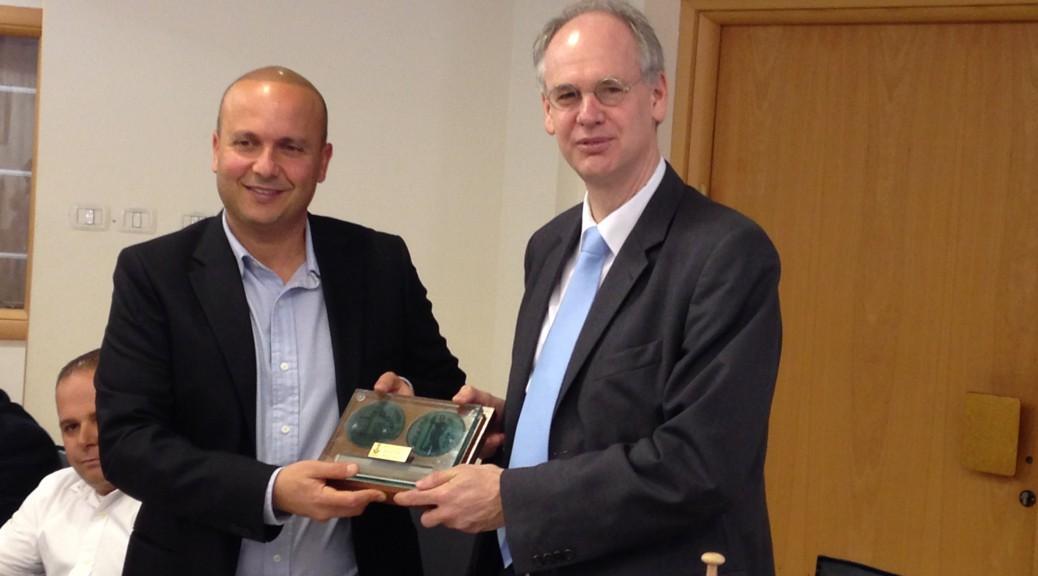 Bezirksbürgermeister Matthias Köhne und Bürgermeister von Ashkelon, Itamar Shimoni